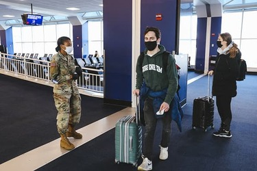 U.S. air travel hits pandemic high over New Year's holiday amid surging Covid outbreak