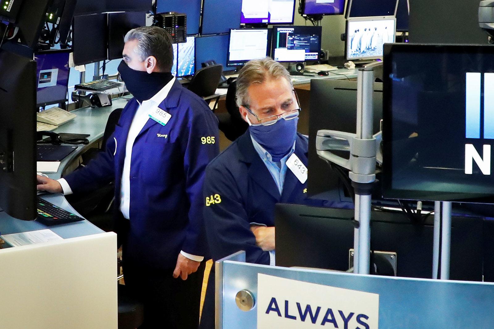 U.S. stock futures little changed after Trump halts stimulus talks